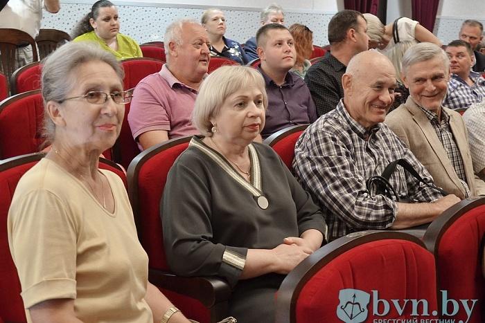 В Бресте прошёл первый международный фестиваль театров и книг «Книжный шкап»