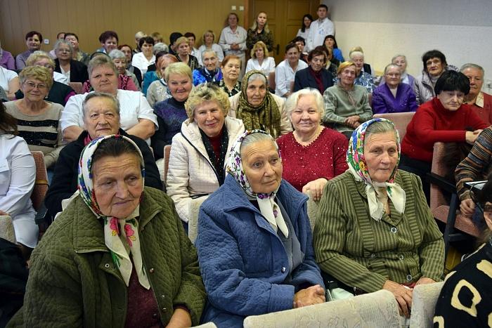 В Брестском роддоме по доброй традиции чествуют ветеранов труда