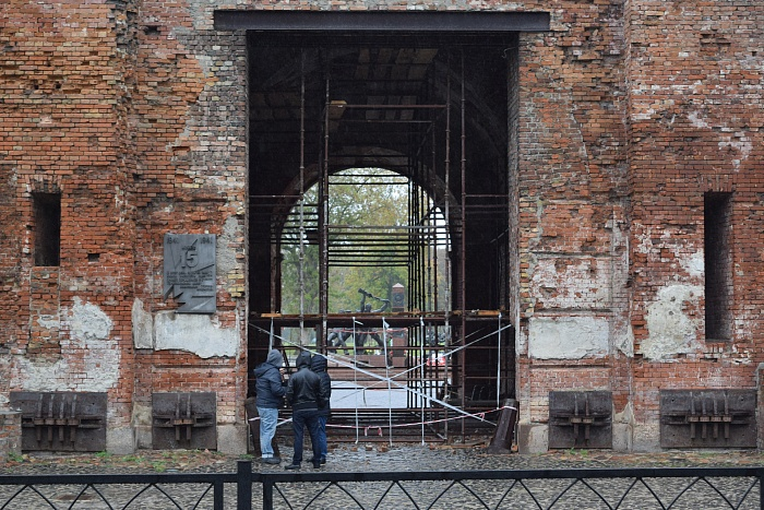 Тереспольские ворота Брестской крепости начинают реставрировать